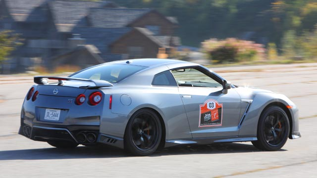 drive-toward-a-cure-california-adventure-nissan-gt-r-special-stage-640x360