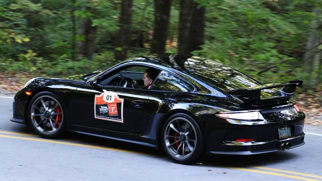 drive-toward-a-cure-california-adventure-2019-yosemite-porsche-911-gt3-640x360