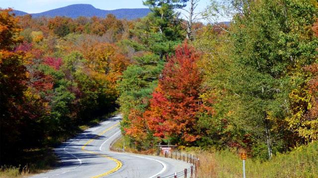 2020-northeast-adventure-fall-colors-road-07-640x360