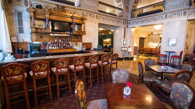 2020-bourbon-trail-getaway-brown-hotel-03-640x360